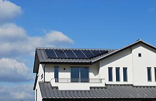 太陽光発電パネルを屋根の上に設置の注意点